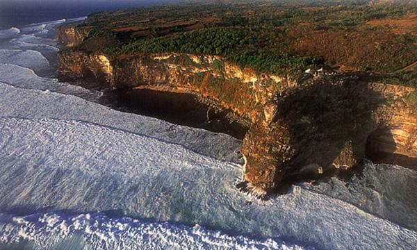 Kawasan wisata Pura Uluwatu
